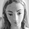 Détournement statue Sainte Vierge : Super Marie